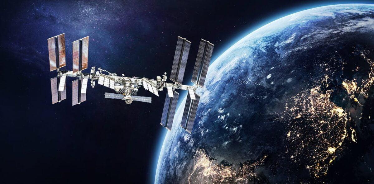 Una fuga de aire en la Estación Espacial Internacional ha confinado a toda la tripulación en un solo módulo